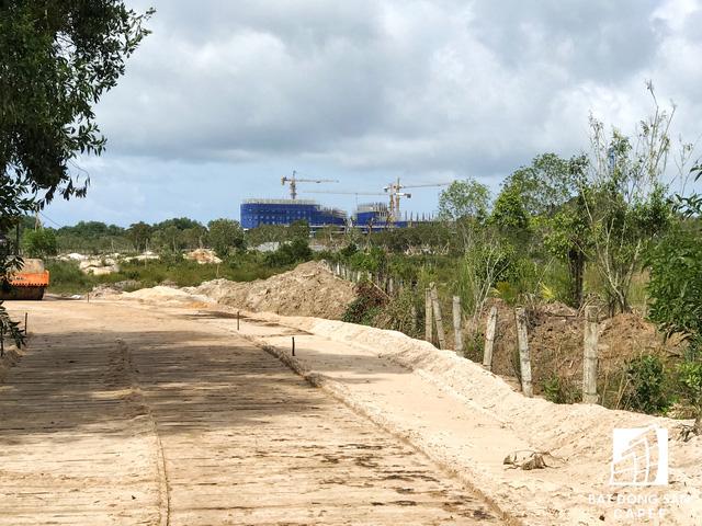 Nhiều dự án khu nghỉ dưỡng tại Phú Quốc lãnh đủ vì các núi rác  - Ảnh 24.