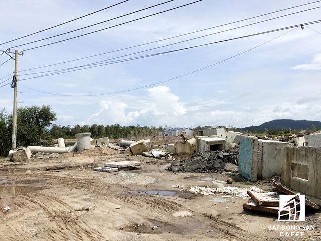 Nhiều dự án khu nghỉ dưỡng tại Phú Quốc lãnh đủ vì các núi rác  - Ảnh 25.