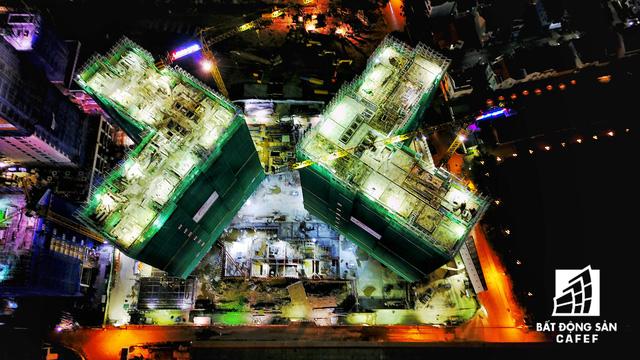 Ảnh: Nhiều cao ốc, khu đô thị mới rực rỡ về đêm khiến trung tâm Sài Gòn đẹp lung linh, huyền ảo - Ảnh 25.