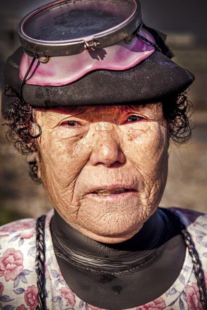 Đa phần các haenyo đều đã lớn tuổi, giới trẻ tại Jeju không mấy hứng thú với công việc truyền thống này.