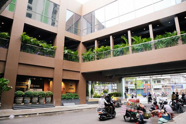 Sau 20 năm bỏ hoang với những lời đồn đoán rùng rợn, Thuận Kiều Plaza đã hồi sinh và sầm uất đến nhường này - Ảnh 4.