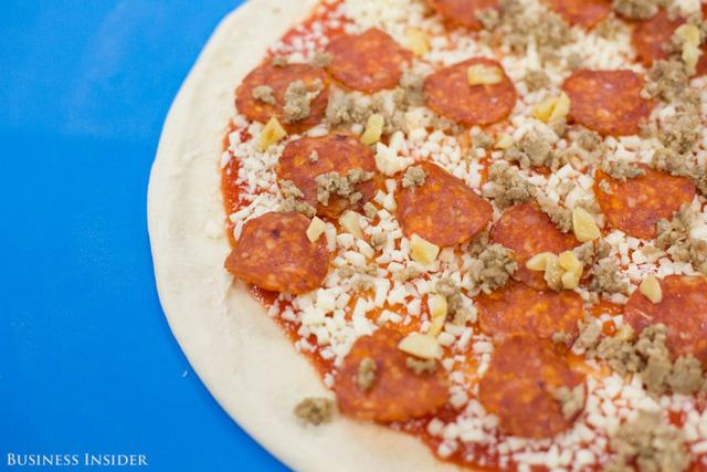 Được làm bởi robot, những chiếc pizza này sẽ là đối thủ đáng gờm của Dominos và Pizza Hut? - Ảnh 4.