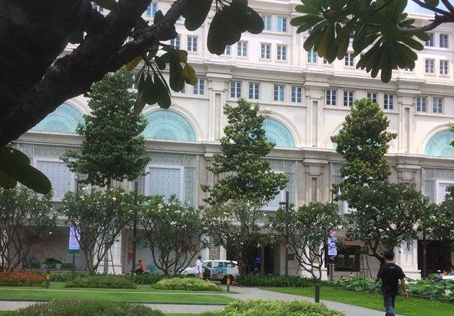 Nữ đại gia bỏ tiền khổng lồ xây rạp phim xịn nhất Sài Gòn xưa - Ảnh 3.
