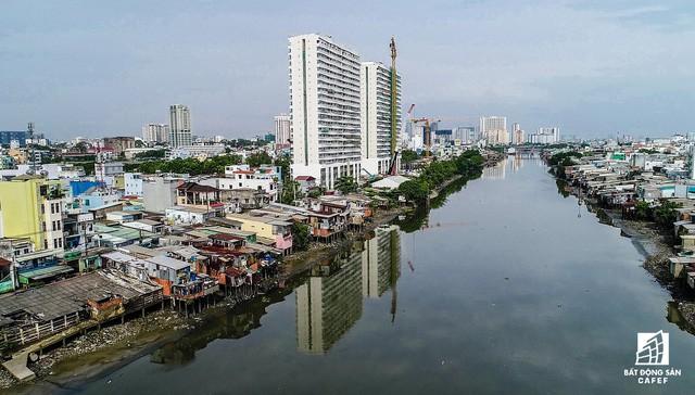 Cận cảnh tiến độ loạt dự án có sức hút lớn dọc kênh rạch Sài Gòn - Ảnh 4.