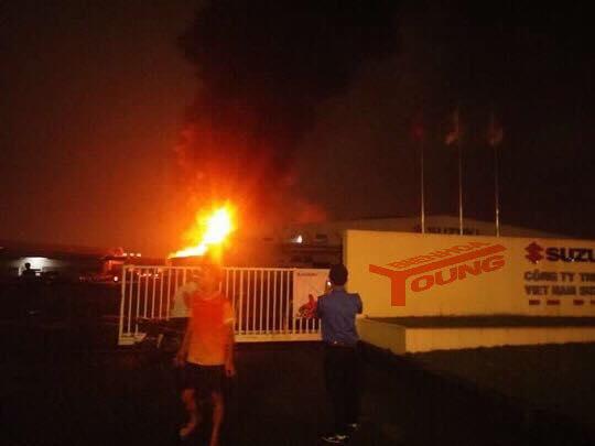 Nhà kho công ty Suzuki cháy rụi trong đêm - Ảnh 5.