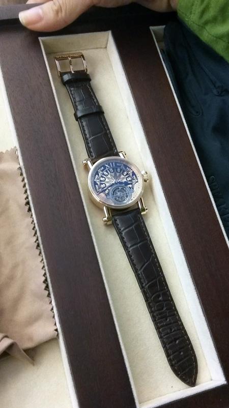 Đồng hồ Speake-Marin Đông Sơn độc đáo với giá gần 3 tỷ đồng.