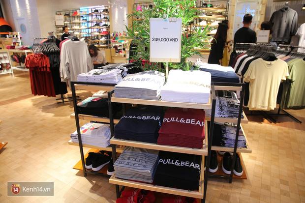 Pull&Bear Việt Nam: Giá rẻ hơn Thái Lan, áo phông giá từ 149.000 đồng, quần jeans từ 699.000 đồng - Ảnh 5.
