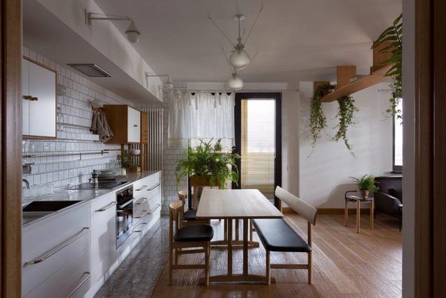 Căn hộ đẹp như mơ với cây xanh và nội thất gỗ - Ảnh 5.