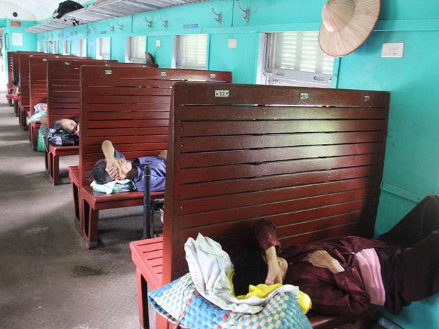 Hiu hắt tuyến các con phố sắt ế nhất Việt Nam - Ảnh 5.