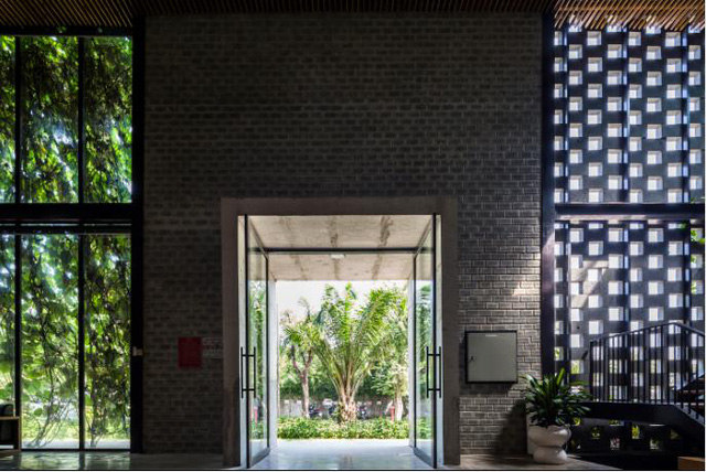 Một xưởng may tại KCN ở Sài Gòn được thiết kế phủ kín cây xanh mướt xuất hiện trên báo ngoại - Ảnh 5.