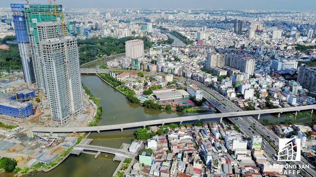 Dự án bất động sản cao cấp lớn thứ 2 của Vingroup tại Sài Gòn đang xây đến đâu? - Ảnh 5.