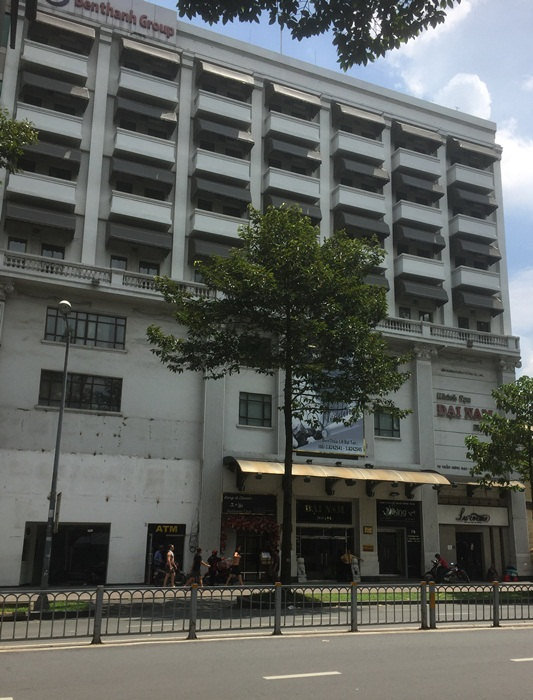 Nữ đại gia bỏ tiền khổng lồ xây rạp phim xịn nhất Sài Gòn xưa - Ảnh 4.