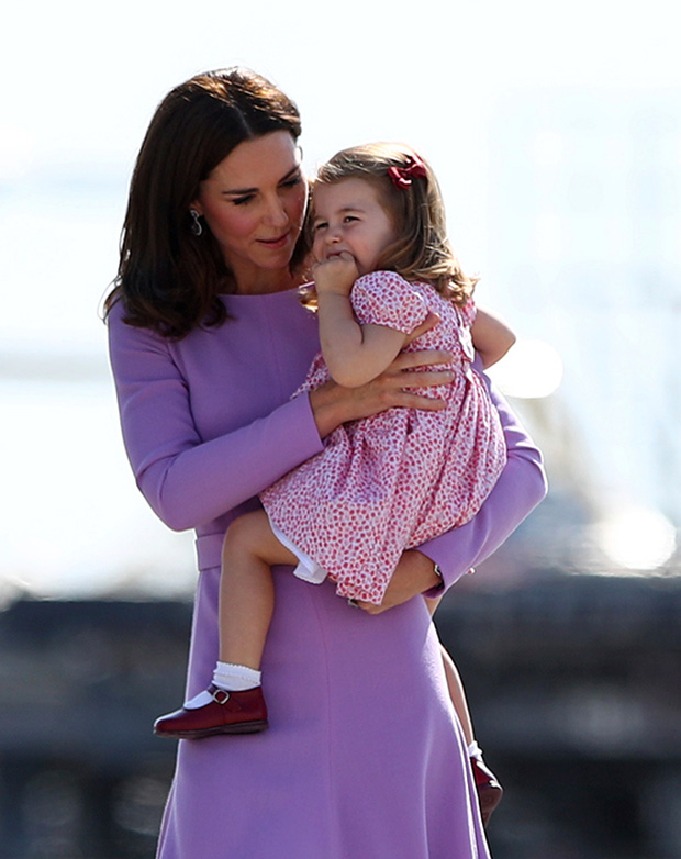 Cách công nương Kate Middleton khéo léo xử lí cơn ăn vạ của con y như một chuyên gia tâm lý - Ảnh 6.