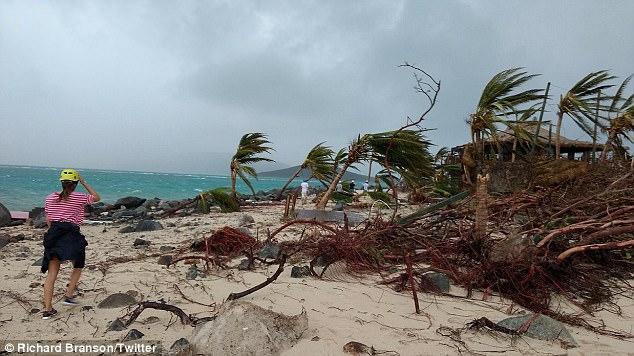 Nhà của tỷ phú Richard Branson tan tành vì siêu bão Irma - Ảnh 6.