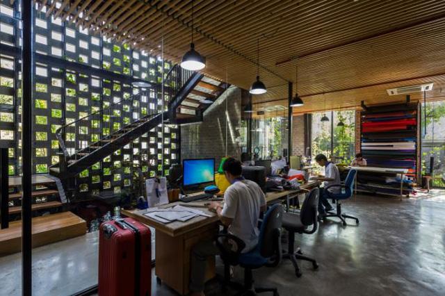 Một xưởng may tại KCN ở Sài Gòn được thiết kế phủ kín cây xanh mướt xuất hiện trên báo ngoại - Ảnh 6.