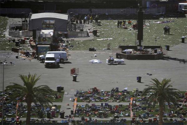 Thương vong vụ thảm sát Las Vegas tăng chóng mặt - Ảnh 6.
