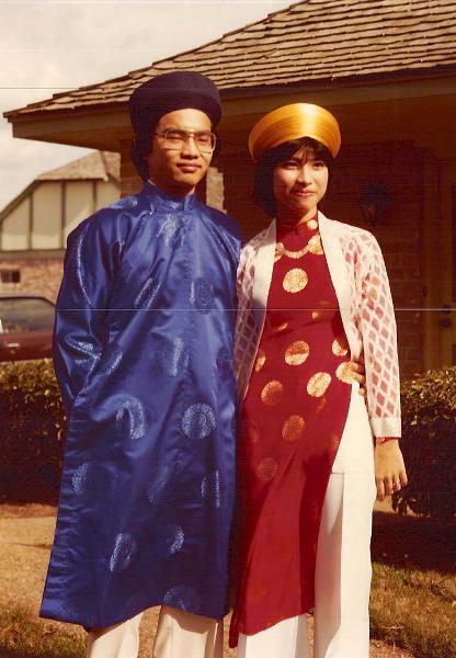 Bà Loan cùng chồng là ông Đào Tuấn trong ngày cưới vào năm 1982.