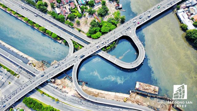 Bến Vân Đồn nhìn từ trên cao, hàng loạt chung cư cao cấp làm thay đổi diện mạo cung đường đắt giá bậc nhất Sài Gòn - Ảnh 7.
