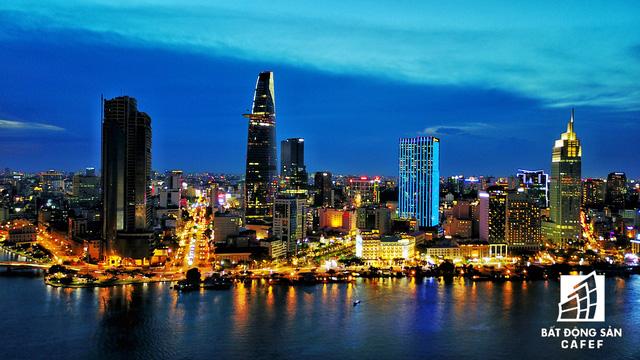 Ảnh: Nhiều cao ốc, khu đô thị mới rực rỡ về đêm khiến trung tâm Sài Gòn đẹp lung linh, huyền ảo - Ảnh 7.