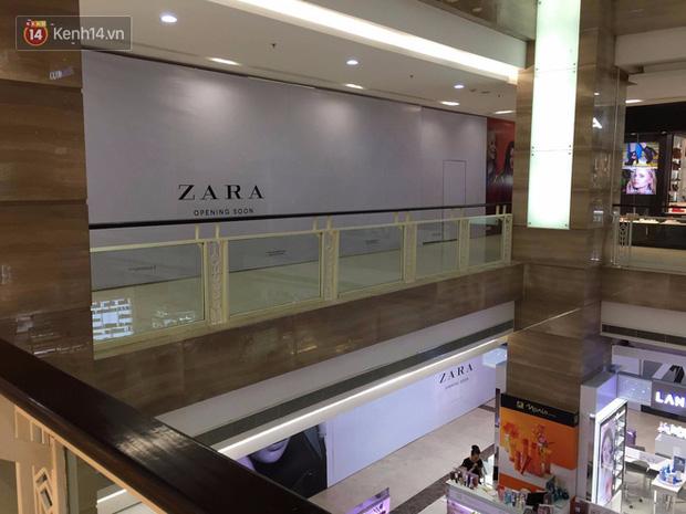 Zara treo biển Opening Soon to đùng ở Vincom Bà Triệu, ngày khai trương đến gần lắm rồi - Ảnh 7.