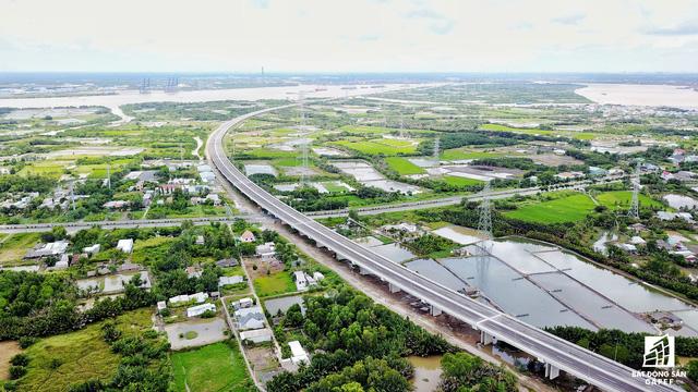 Hệ thống hạ tầng giao thông tại Long An đã thay đổi như thế nào trong 5 năm qua - Ảnh 7.