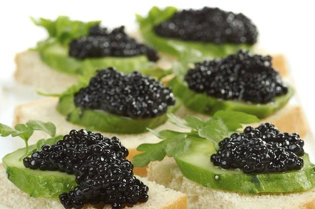 Cách thưởng thức Caviar - món ăn đắt đỏ luôn góp mặt trong các bữa tiệc của hội siêu giàu - Ảnh 7.