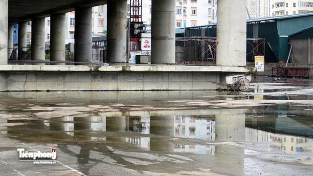 Tháp nghìn tỷ bỏ hoang trên đường vành đai 3 Hà Nội - Ảnh 8.