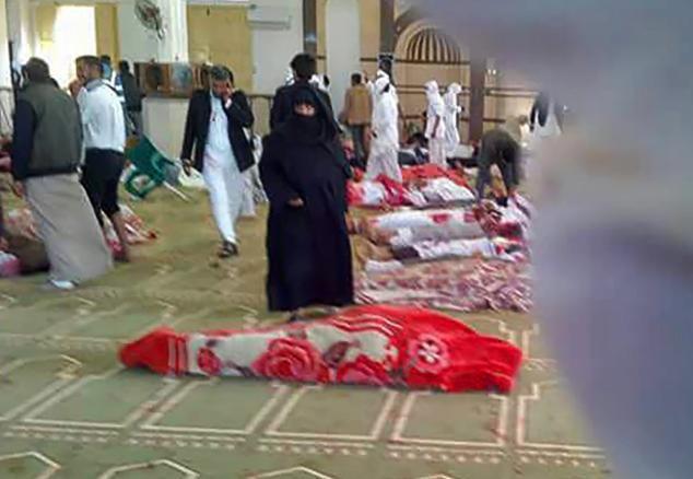 Cảnh tang thương trong vụ tấn công tồi tệ bậc nhất lịch sử Ai Cập làm 235 người chết - Ảnh 8.