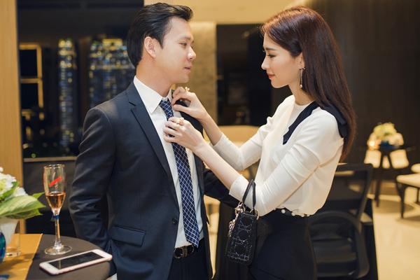 Chồng sắp cưới của Hoa hậu Thu Thảo cũng là một doanh nhân thành đạt dưới sự nhào nặn của gia đình.