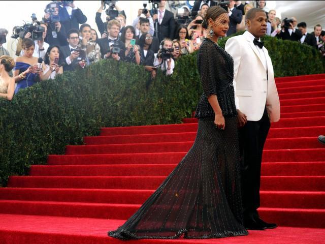 Điều bất ngờ trong lễ cưới của những người nổi tiếng, giàu có nhất thế giới như Bill Gates, Warren Buffett, Beyonce... - Ảnh 9.