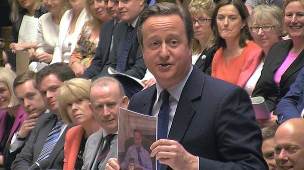 Ông David Cameron từng lên tiếng thanh minh về mối quan hệ giữa ông và Larry, nhưng chả ai tin đâu tôi nói thật.
