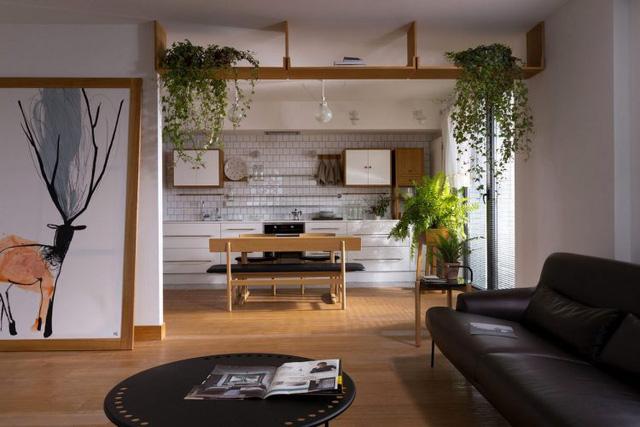 Căn hộ đẹp như mơ với cây xanh và nội thất gỗ - Ảnh 10.