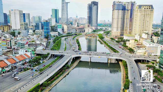 Bến Vân Đồn nhìn từ trên cao, hàng loạt chung cư cao cấp làm thay đổi diện mạo cung đường đắt giá bậc nhất Sài Gòn - Ảnh 10.