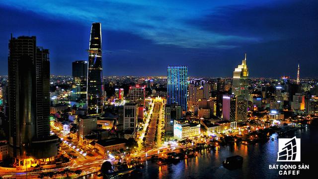 Ảnh: Nhiều cao ốc, khu đô thị mới rực rỡ về đêm khiến trung tâm Sài Gòn đẹp lung linh, huyền ảo - Ảnh 10.