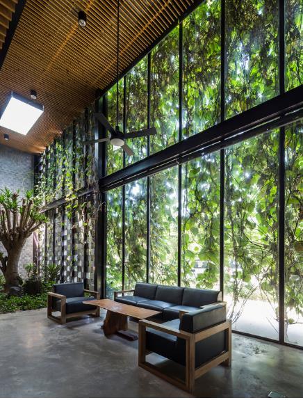 Một xưởng may tại KCN ở Sài Gòn được thiết kế phủ kín cây xanh mướt xuất hiện trên báo ngoại - Ảnh 10.