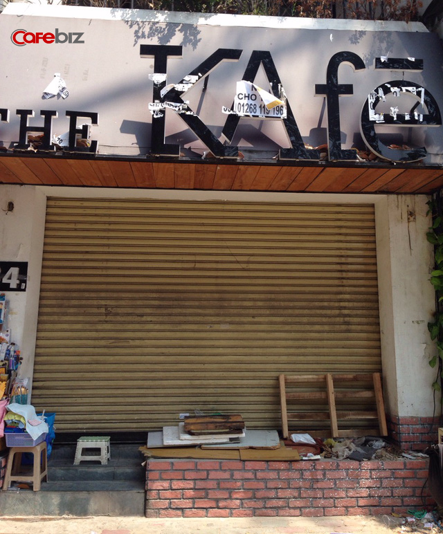 Một người dân sống gần đó cho biết The KAfe tại 34 Lê Lợi đã đóng cửa được khoảng 3-4 tháng. Ảnh: Thế Trần.