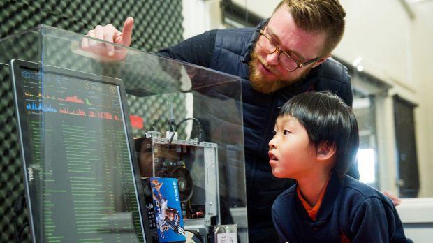 Keiran Nolan, cựu kỹ sư công nghệ đã chuyển sang làm chuyên gia giáo dục, nhà điều hành chương trình