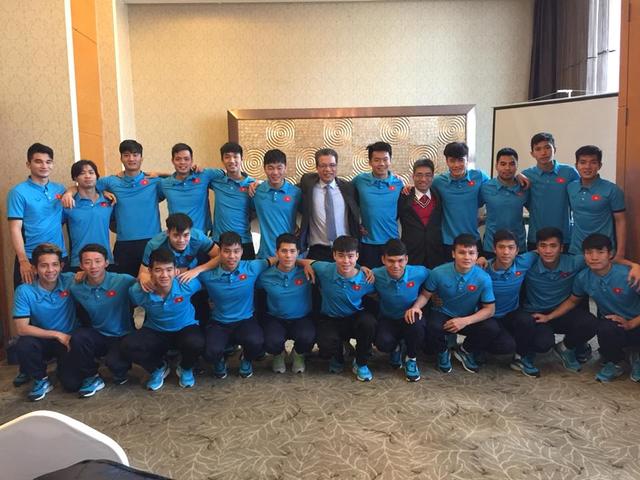 Cánh tay phải của HLV Park Hang-seo lý giải lý do U23 Việt Nam tất thắng trước đối thủ Qatar: Đã lỡ rồi, ta vô địch đi thôi! - Ảnh 1.