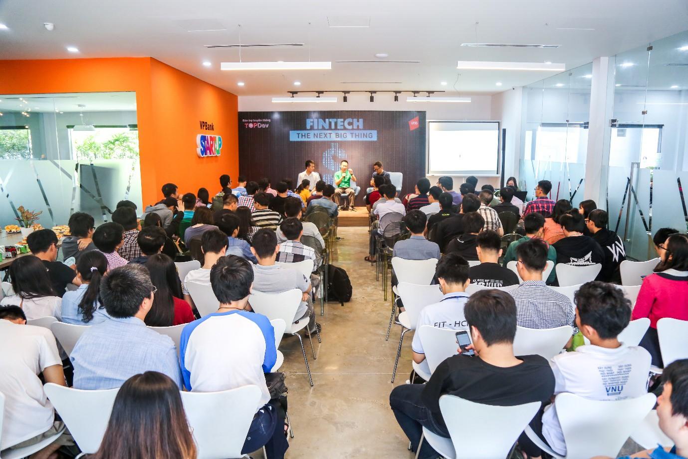 Sau Blockchain, Bitcoin, sinh viên Việt Nam làm gì để bắt kịp làn sóng Fintech? - Ảnh 2.