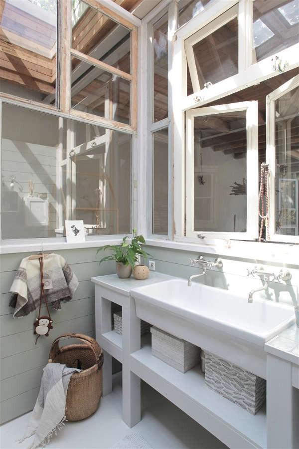 Ngôi nhà trắng đẹp như tranh vẽ với những góc nhà lung linh chẳng khác gì studio - Ảnh 15.