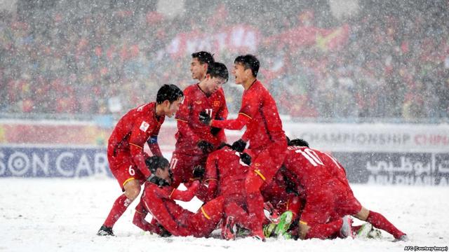 Lương Xuân Trường - Hành trình từ cậu bé tí hon cùng ước mơ với trái bóng tới người hùng thầm lặng của đội U23 Việt Nam - Ảnh 5.