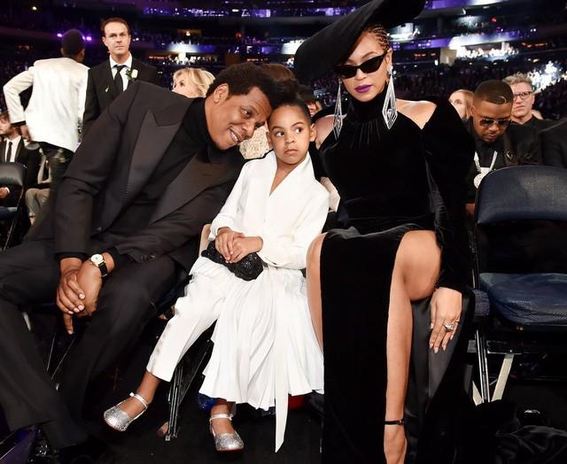 Cuộc sống như nữ hoàng của con gái Beyoncé: 6 tuổi đã có ê-kíp phục vụ riêng, diện váy 250 triệu đi sự kiện - Ảnh 1.
