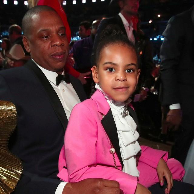Cuộc sống như nữ hoàng của con gái Beyoncé: 6 tuổi đã có ê-kíp phục vụ riêng, diện váy 250 triệu đi sự kiện - Ảnh 7.