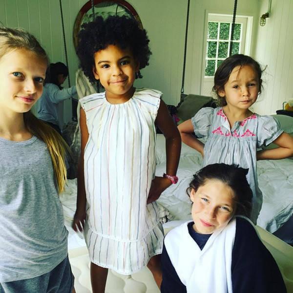 Cuộc sống như nữ hoàng của con gái Beyoncé: 6 tuổi đã có ê-kíp phục vụ riêng, diện váy 250 triệu đi sự kiện - Ảnh 9.