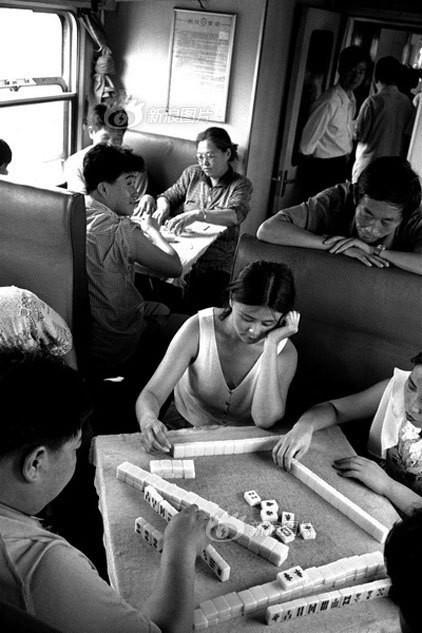 Dành 4 thập kỉ ghi lại hành trình trên những chuyến xe lửa, nhiếp ảnh gia Trung Quốc đem lại cho người xem những xúc cảm lạ thường - Ảnh 9.