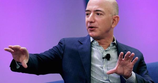 """amazon - photo 2 1539680638098843038146 - Cấm sử dụng PowerPoint: Thách thức khác người của Jeff Bezos dành cho """"đại gia đình"""" Amazon mang tới hiệu quả bất ngờ đến khó tin"""