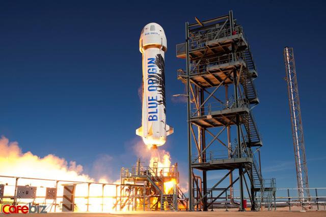 Tỷ phú Jeff Bezos có tham vọng đưa 1.000 tỷ người lên hệ mặt trời sinh sống - Ảnh 1.