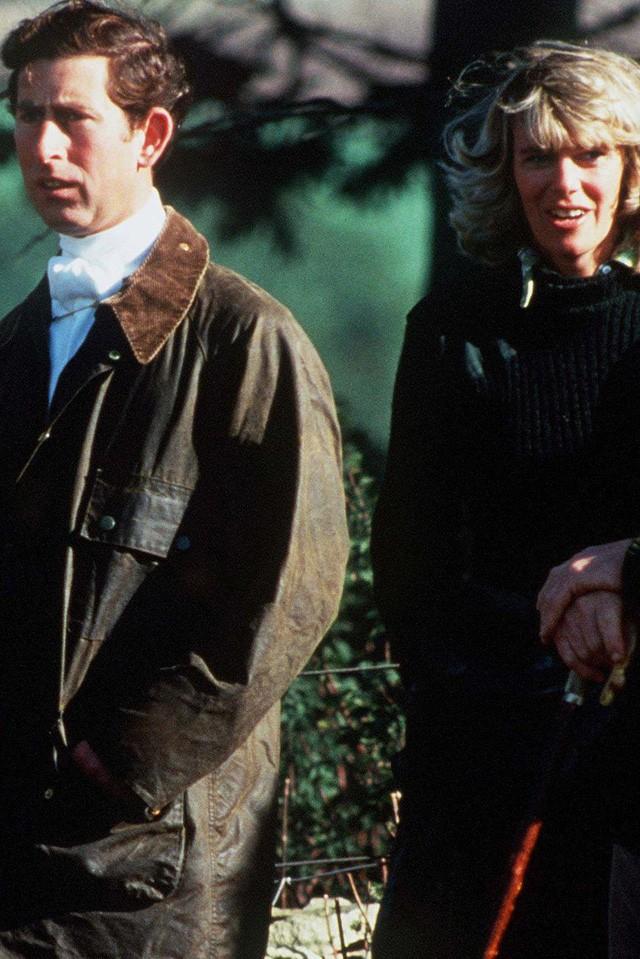 """thái tử charles và bà camilla - photo 1 15402909405661943034976 - Mối tình 48 năm đầy """"thị phi"""" của Thái tử Charles và bà Camilla: Tưởng viên mãn nhưng lại có kết cục cay đắng không ngờ"""