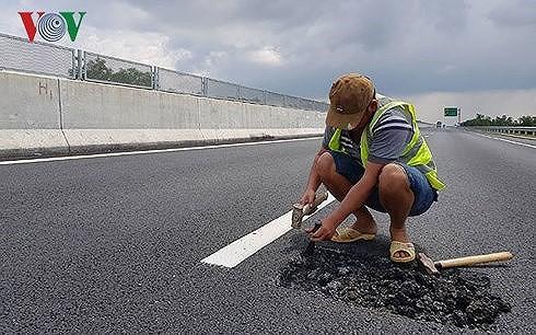 Cao tốc 34.000 tỷ vừa thông xe đã hỏng: Tư vấn giám sát không thể vô can  - Ảnh 3.