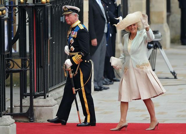 """thái tử charles và bà camilla - photo 7 15402909405721877313930 - Mối tình 48 năm đầy """"thị phi"""" của Thái tử Charles và bà Camilla: Tưởng viên mãn nhưng lại có kết cục cay đắng không ngờ"""